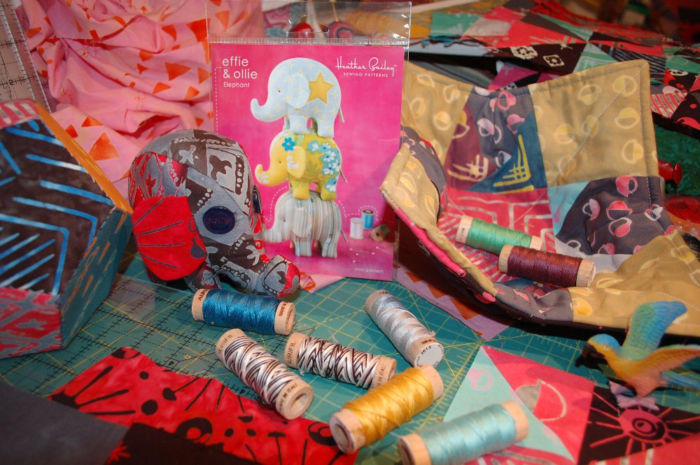Tie One On Blog Hop Day 8, banyan batik, modern batik, modern quilting, bold modern graphics, modern design, quilting Tie One On Fabric, Banyan batiks.